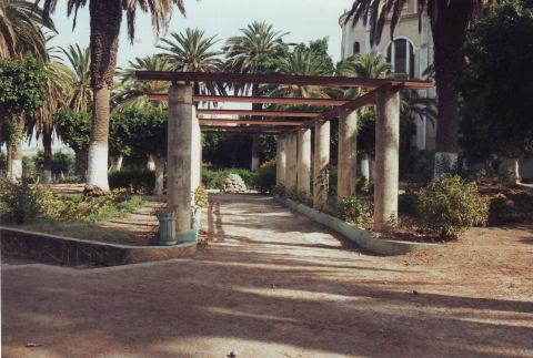 Ain temochent for Jardin publiques